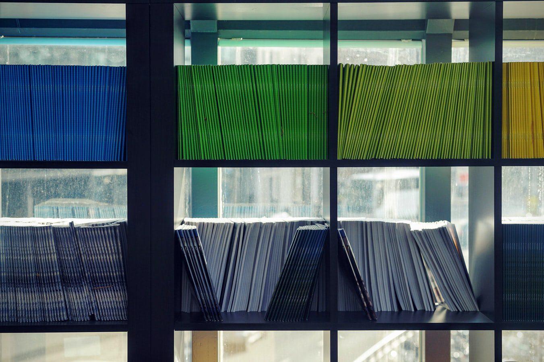 documentos organizados por cores
